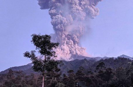 အင်ဒိုနီးရှားနိုင်ငံမှာ မီးတောင်ပေါက်ကွဲမှု ဖြစ်ပွား