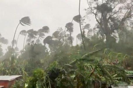 ဗီယက်နမ်မှာ တိုင်ဖွန်းမုန်တိုင်းကြောင့် မိုးများပြီး မြေပြိုမှုတွေ ဆက်တိုက်ဖြစ်နေ